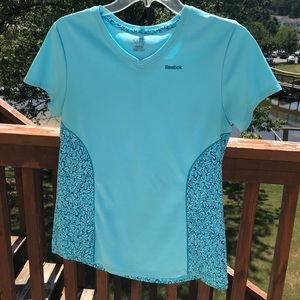 🍄 Reebok Play Active Top Size M